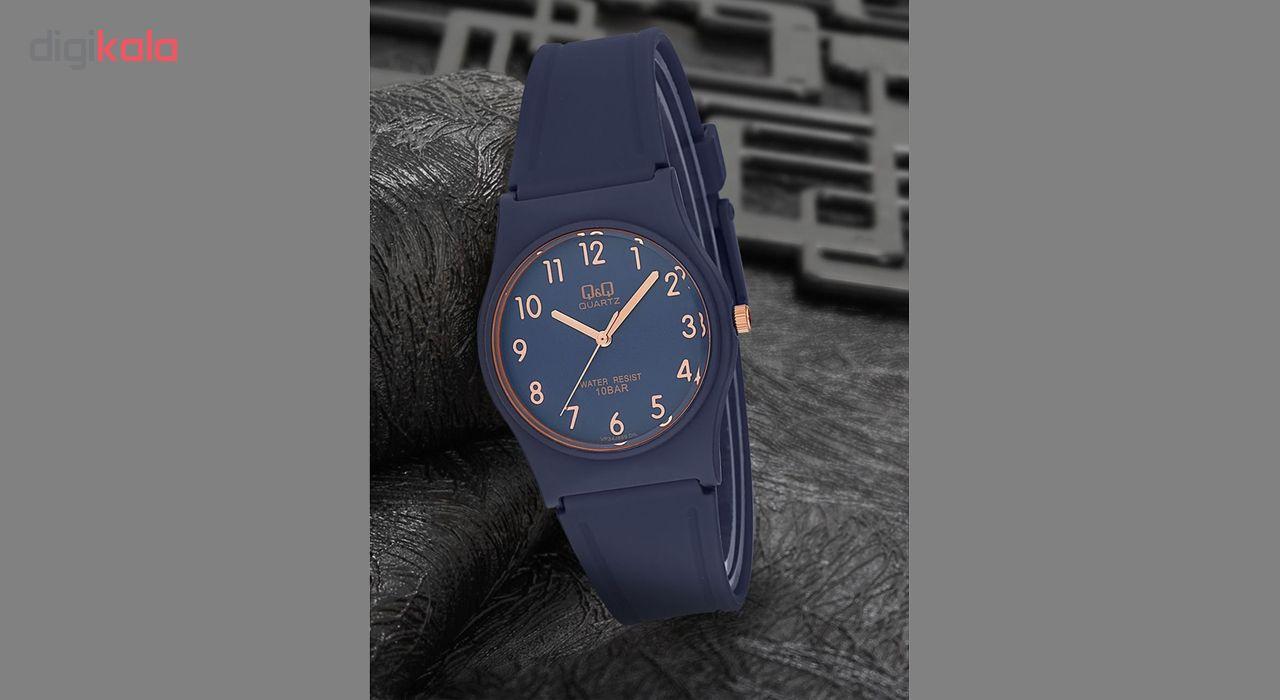 ساعت مچی عقربه ای زنانه کیو اند کیو مدل vp34j078y به همراه دستمال مخصوص کلین واچ